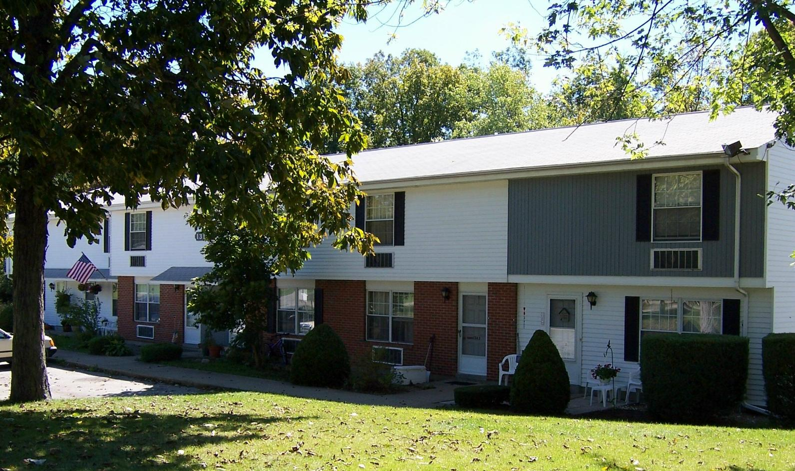 3 bedroom townhouse meadville housing corporation for 3 bedroom townhomes